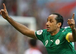 沙特老将贾巴尔庆祝攻入反超一球