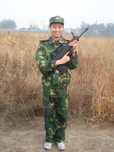 图文-吴敏霞生活写真 不爱红装爱武装