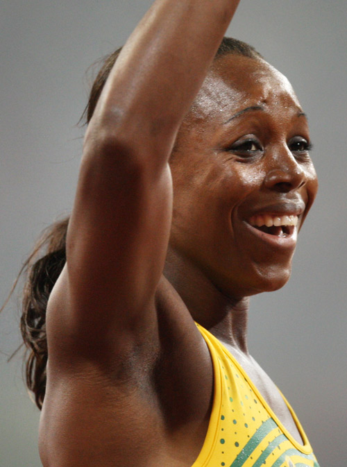 图文-[奥运]田径女子200米 坎贝尔卫冕笑容灿烂