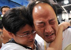 孙海平发布会上失声痛哭证实刘翔退赛后哭了