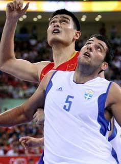 战报-姚明16分男篮负希腊居第四8强赛将战立陶宛