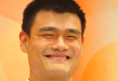 姚明聊天:笑谈闭幕式拥抱门 分析孙悦NBA前途(2)