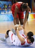 中国女篮63-108美国