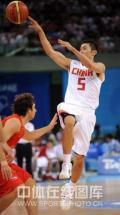 图文-[奥运会]中国男篮VS西班牙 刘炜轻松抛投