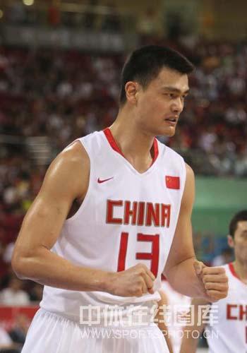 图文-[奥运会]中国男篮59-55德国 姚明很自信