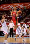 图文-中国女篮77-62白俄罗斯 卞兰防守难挡对手