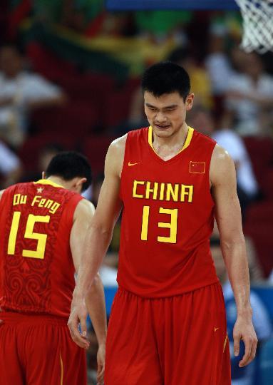 图文-[奥运会]中国男篮68-94立陶宛 姚明很失落