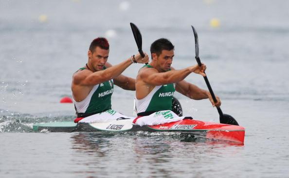 图文-奥运会皮划艇静水比赛拉开帷幕 齐心协力