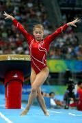 图文-中国体操首夺奥运女团冠军 美国肖恩翩翩舞蹈