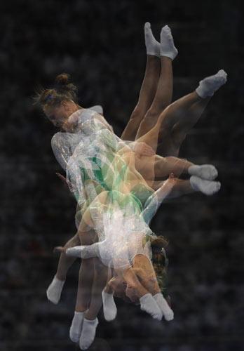 图文-体操女子蹦床决赛打响 空中动感之美