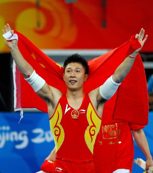 图文-奥运会男子体操双杠决赛 李小鹏拿到冠军