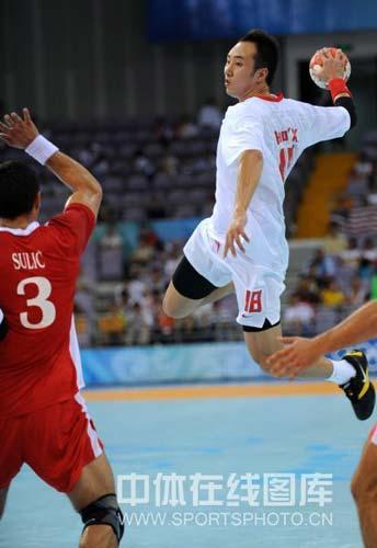 图文-[男手]中国22-33负克罗地亚 高空抛起
