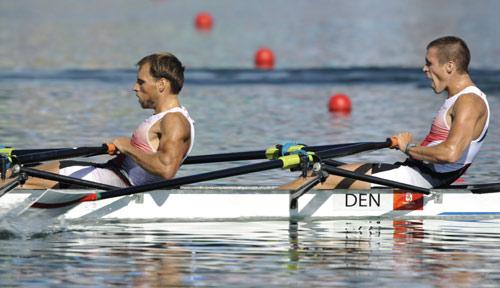 图文-男子轻量级双人双桨半决赛 丹麦队在比赛