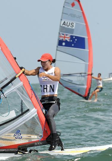 图文-殷剑获女子帆板奥运冠军 乘风破浪在此时
