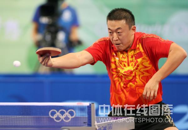 图文-乒乓球男子团体半决赛 马琳回球线路明晰