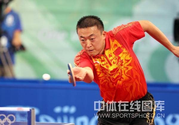 图文-乒乓球男子团体半决赛 马琳回球高接低挡