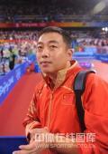 图文-中国乒乓球队夺得男子团体金牌 刘国梁很开心