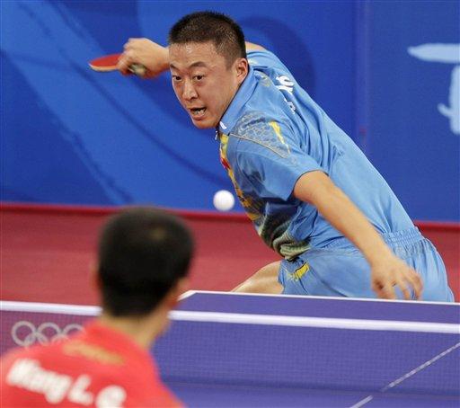 图文-乒乓球男单半决赛 白鹤亮翅