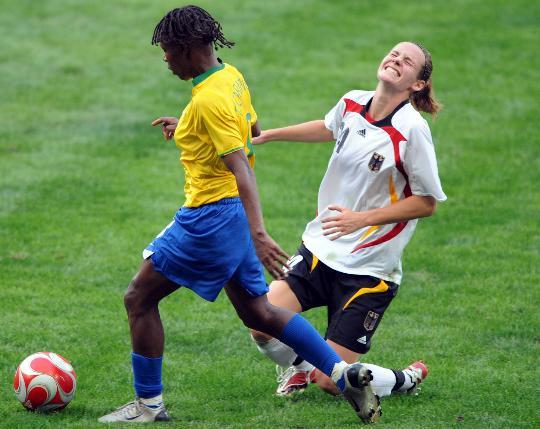 图文-[奥运会]德国女足0-0巴西 劳德尔很痛苦