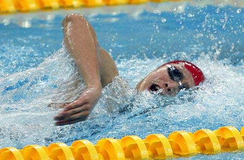 图文-男子400米自由泳张琳获银牌 向终点冲刺