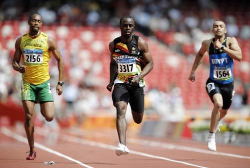 图文-奥运会男子200米预赛 津巴布韦选手很轻松