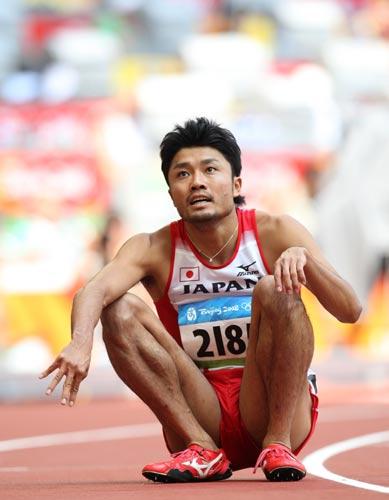 图文-奥运会男子200米预赛 日本选手等待成绩