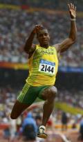 图文-21日北京奥运会田径赛场 牙买加选手角逐跳远