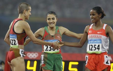 图文-女子1500米淘汰赛赛况 选手十分友好