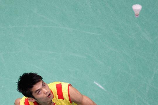 图文-羽毛球男单林丹顺利晋级 林丹瞄准来球
