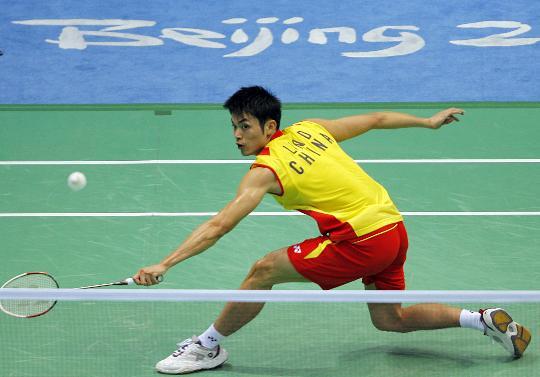图文-羽毛球男单林丹顺利晋级 反手球更不在话下
