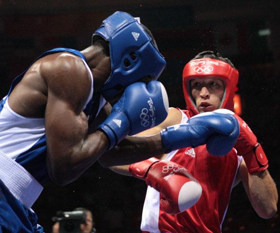图文-20日奥运赛场拳击赛况 针锋相对