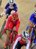图文-自行车女子记分赛决赛赛况 李燕在大部队中