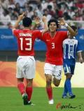 图文-[男足]韩国vs洪都拉斯 金栋振与队友庆祝进球