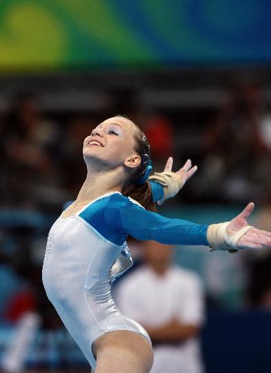 图文-体操女子全能决赛赛况 自由操感染全场