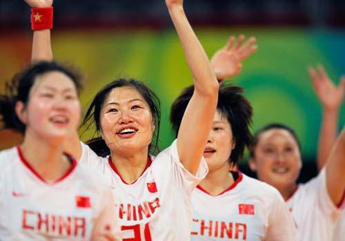 图文-女子手球5-8名排位赛 欢呼雀跃