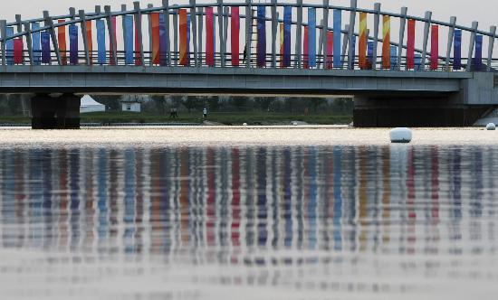 资料图片:奥林匹克水上公园--设计独特的桥