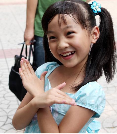 图文-开幕式飞天小女孩林妙可 天真感染一切