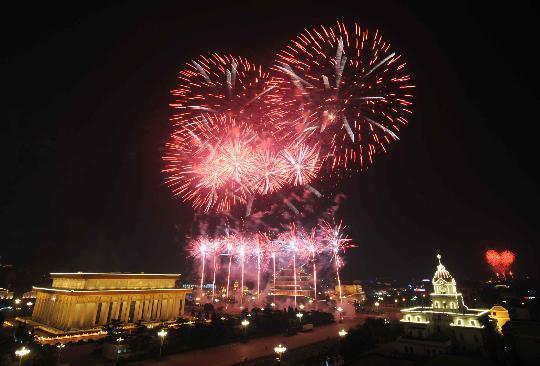 图文-北京奥运会圆满落下帷幕 焰火绽放景象壮观