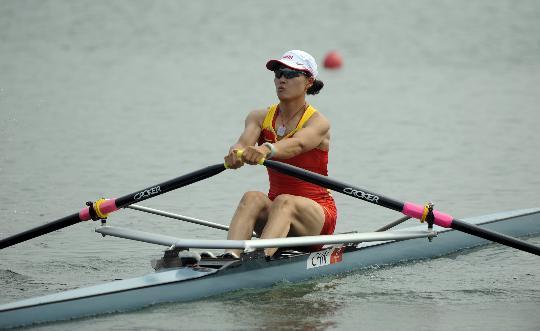 图文-女子单人双桨预赛赛况 张秀云优势明显