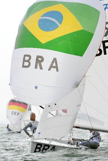 图文-女子双人艇470级决赛赛 巴西队扬帆起航
