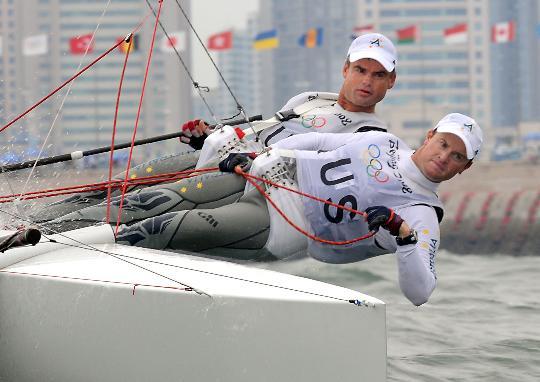 图文-西班牙选手获托纳多级冠军 极力调低重心