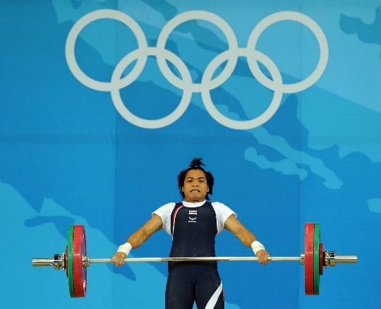 图文-女举58公斤级决赛赛况 甲梅因在比赛中