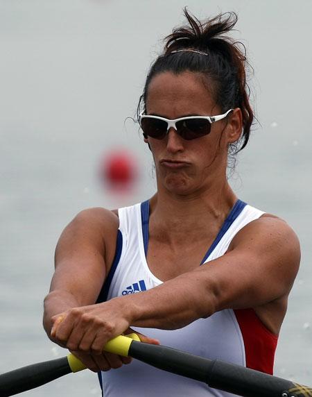 图文-奥运比赛众生相 皮划艇选手努嘴使劲