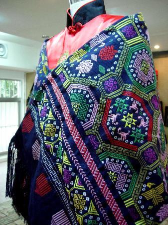 壮锦:壮族传统手工织锦 工巧绚丽名列中国四大名锦