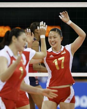 图文-[奥运]女排中国VS美国 中国队庆祝得分