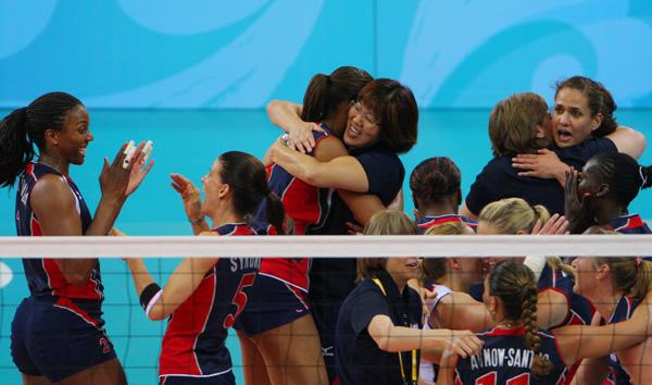 女排半决赛美国3-0古巴