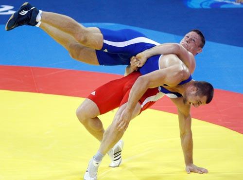 古典摔跤96公斤级决赛