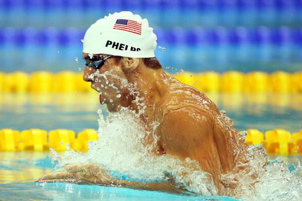 图文-男子400米个人混合泳预赛 菲尔普斯速度飞快