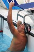 图文-男子200米仰泳决赛 洛赫特振臂高呼