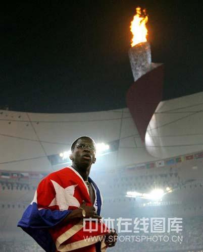 图文-奥运男子110米栏罗伯斯夺冠 还有些遗憾?